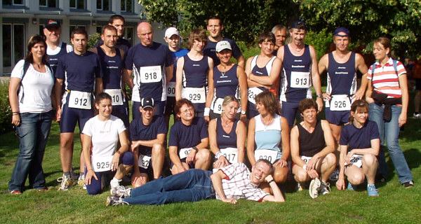 Gruppenfoto der Schweinheimer Ausdauersportler beim Schwanberglauf in Iphofen
